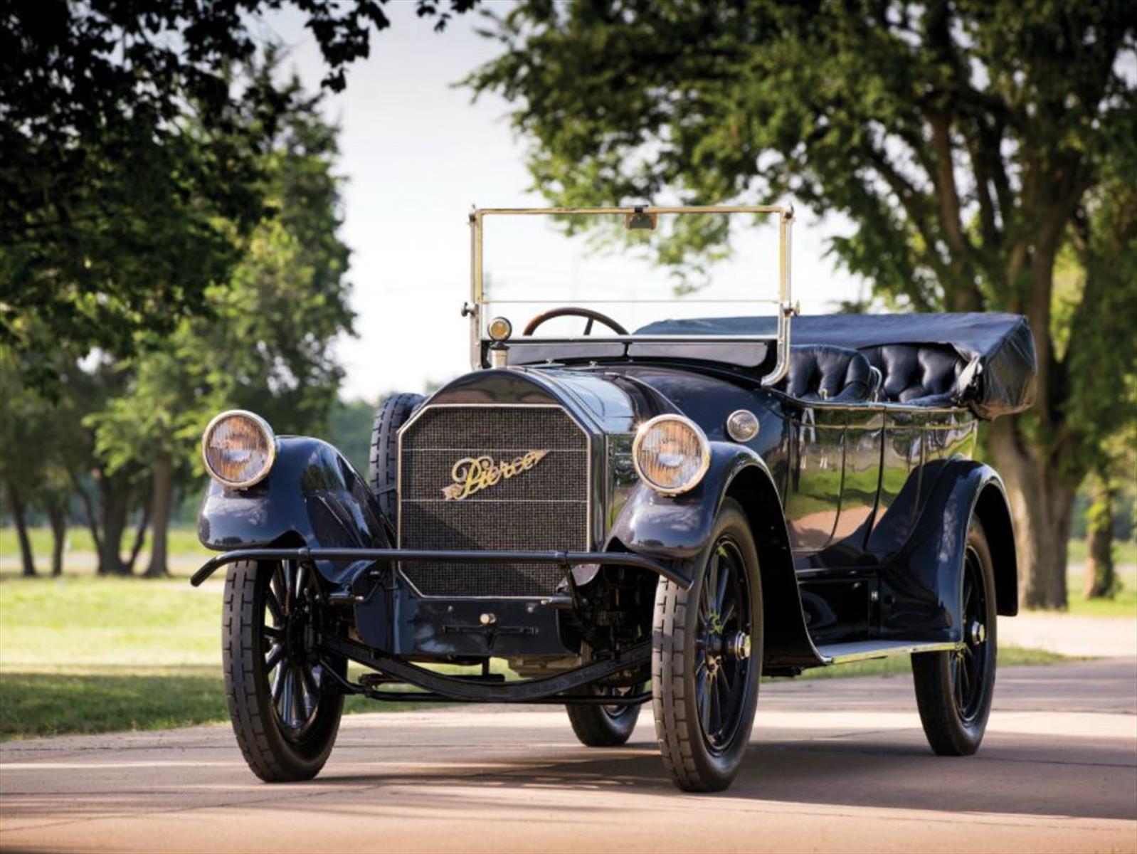 Pierce Arrow Model 66 es el carro con mayor cilindrada