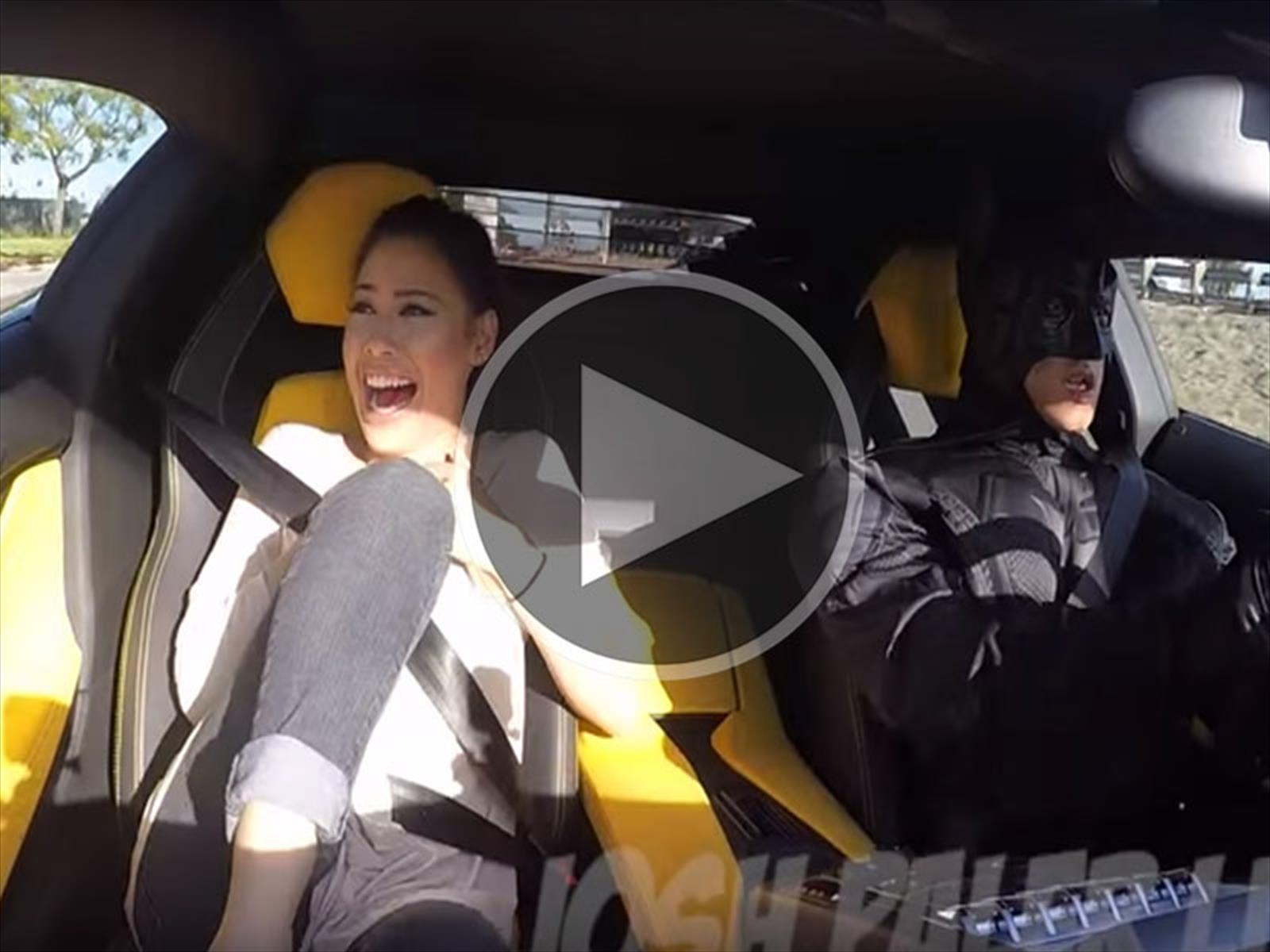 Video: ¡Sorpresa! Un Lamborghini Aventador de Uber manejado por Batman