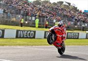 Casey Stoner domina la carrera de Moto GP en Australia