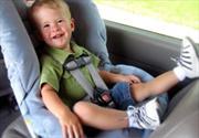 Cómo mantener seguros a tus hijos en el auto