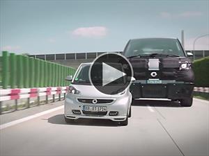 Video: Smart se ríe de los autos grandes con dos publicidades geniales