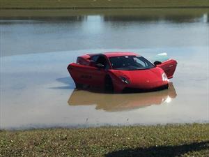 Lamborghini Gallardo con 2,000 hp pierde el control y termina en el agua