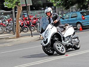 Piaggio MP3: La primera Scooter de tres ruedas ya está en Chile