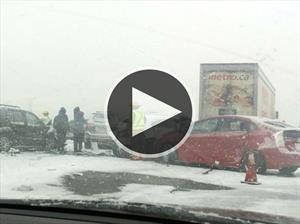 Captan mega carambola en autopista de Canadá
