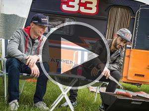 Video: Verstappen y Ricciardo se enfrentan en una carrera...de casas rodantes