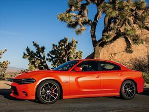 Dodge Charger 2017, galardonado con 5 estrellas por la NHTSA