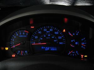 Las luces de advertencia del tablero confunden a los conductores