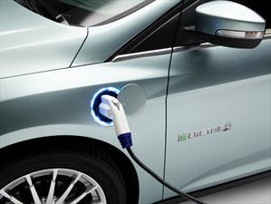 Ford quiere desarrollar carros eléctricos