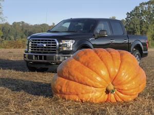 Ford Lobo 2015 demuestra su poder en Halloween