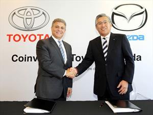 Toyota y Mazda firman contrato de coinversión en México