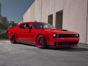 Dodge Challenger SRT Hellcat por SR Auto Group