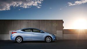 Hyundai Elantra y Range Rover Evoque elegidos Auto y Camioneta de Norteamérica 2012