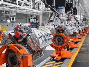 Ford celebra 30 años de su planta de motores en México