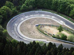 Top 10: Las curvas más peligrosas y emblemáticas en pistas del mundo