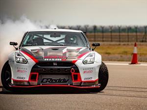 Nissan GT-R rompe Guinness Récord del drift más rápido