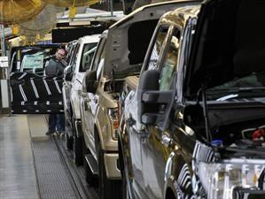 Plantas de Ford en EE.UU. y México detiene su producción