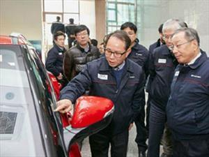 SsangYong presenta su tecnología de cristales táctiles