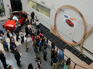 Ford rompe récord del loop más grande del mundo de Hot Wheels