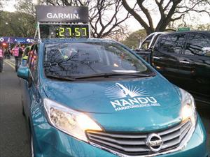 El Nissan Note corre por Buenos Aires