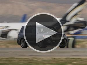 Conoce en video a la Toyota Land Speed Cruiser, la SUV más veloz de la tierra