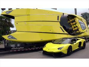 Lamborghini Aventador y Speedboat juntos en Palm Beach