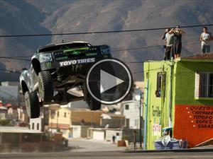 Video: BJ Baldwin seduce mujeres con su pick-up de 850 CV