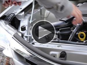 Hágalo usted misma: Cómo medir el aceite del auto