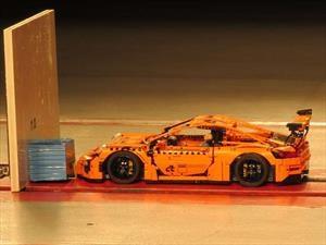 Porsche GT3 RS de LEGO es sometido a un Crash Test