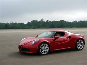 Manejamos el Alfa Romeo 4C en Detroit
