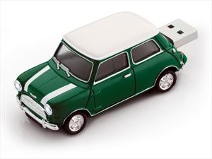 USB con forma de carro... Toda una sensación