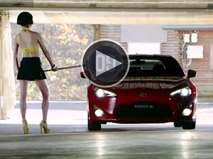 Video: Toyota muestra que manejar sus autos es divertido