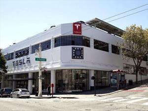 Tesla abre tienda en San Francisco, la más grande de Estados Unidos