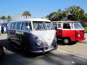 70 Volkswagen Kombi se reunieron en el Parque O´Higgins