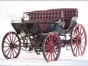Armstrong Phaeton 1896, el primer automóvil híbrido fue subastado