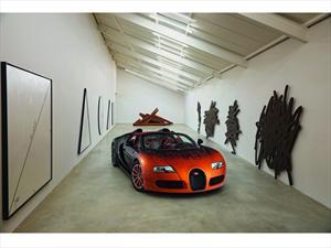 Bugatti Veyron Grand Sport Bernar Venet, arte a gran velocidad