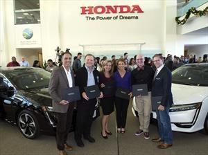 Honda Clarity Fuel Cell 2017, comienza sus entregas