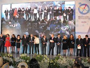 Ford y su red de Distribuidores celebran 50 años de su Comité Cívico