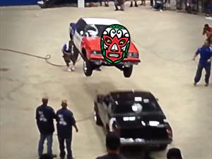 Video: ¿lucha libre automotriz?