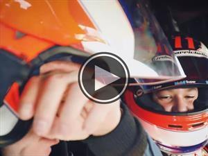 Rubens Barrichello llora tras ser copiloto de su hijo