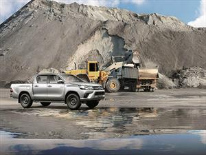 Toyota Hilux, en exhibición de pesos pesados
