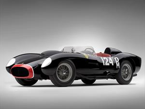 Ferrari 250 Testa Rossa de 1957 en USD 39.8 millones