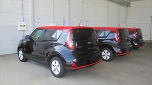 Kia desarrolla sistema de carga inalámbrica para carros eléctricos
