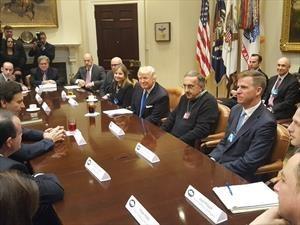 Donald Trump se reune con los CEO de FCA, Ford y GM