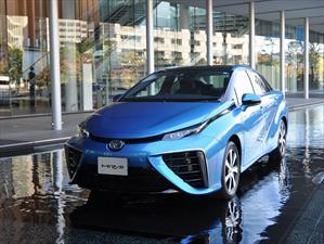 Toyota Mirai recibe 1,500 pedidos en Japón