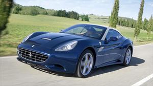 Ferrari presenta un California mejorado en Ginebra 2012