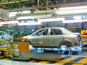 Nissan inaugura nueva planta en México