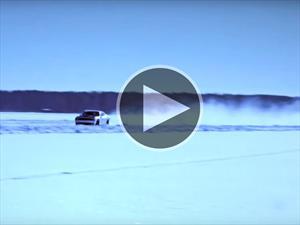 Un Dodge Challenger Hellcat rueda a 274 km/h sobre hielo y marca un récord