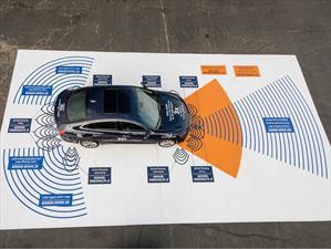 Todos los autos frenarán solos en EE.UU para el 2022