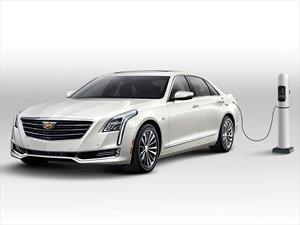 Cadillac CT6 Plug-In Hybrid 2017, lujoso, enorme y eficiente