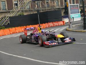 Los F1 de Infiniti Red Bull Racing hicieron vibrar el Zócalo de la CD de México
